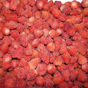 De fraises congelées avec une haute qualité