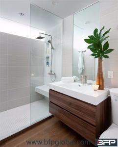 나무로 되는 벽은 목욕탕 허영 단위를 걸었다