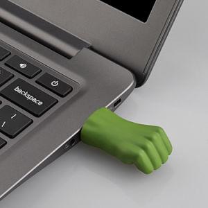 報復者の廃船体の握りこぶしの金属USBのフラッシュ棒のPendriveの全能力