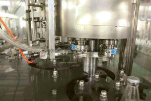 ソーダ飲み物の満ちる生産ラインはエネルギー飲み物の充填機を炭酸塩化した