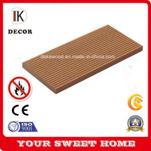 Горячая продажа Дубаи WPC декорированных композитный пол с высокой прочности