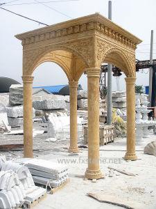 庭の装飾のための手によって切り分けられる砂岩望楼
