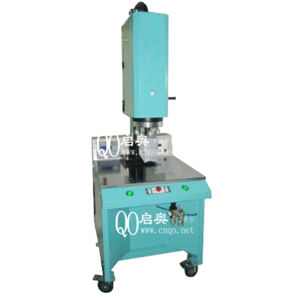 プラスチックのための高い発電の超音波溶接機械