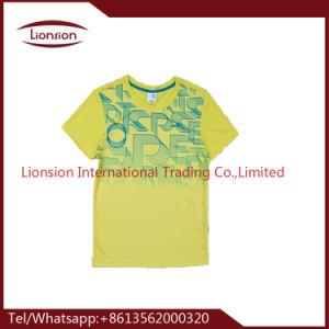 I vestiti di marca dei bambini hanno utilizzato i vestiti esportati in Africa