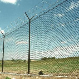 Корпус из нержавеющей стали с ПВХ изоляцией/оцинкованной проволоки сетка ограждения звено цепи металлические заграждения безопасности для фермы/сад