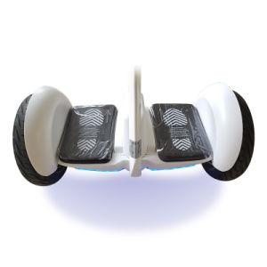 任意選択アクセサリが付いている情報処理機能をもったLEDの軽い電気スクーター