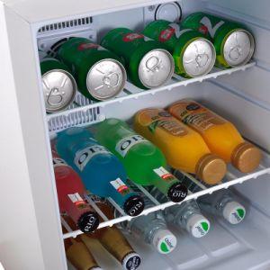 Hôtel moderne de mini-bar réfrigérateur