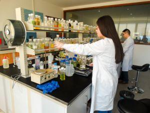 Umweltschutz-Säurepolieren-Öl-Abbau-Reinigungsmittel vom China-Lieferanten