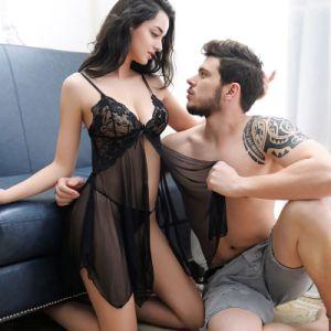 Jeu de lingerie sexy robe de vêtements de nuit des femmes Nightwear Lingerie + G-String nuisette