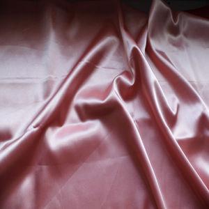 Polyester-bunter preiswerter Satin 100% für Kleid-Gewebe
