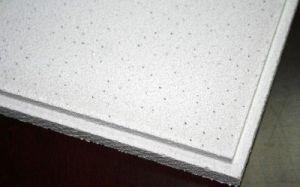 装飾的な材料によって補強されるミネラルウールのファイバーの天井のボード/パネル