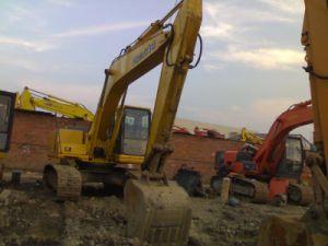 Escavatore utilizzato KOMATSU PC220-6