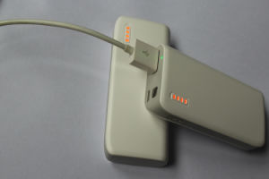 batería externa portátil 3000mAh-6000mAh (OM-PW028)
