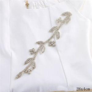 Cucito Handmade sul Applique di cristallo del Rhinestone del fiore del nastro