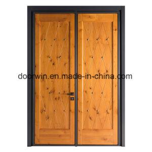 Portello di entrata di legno dell'ontano Knotty