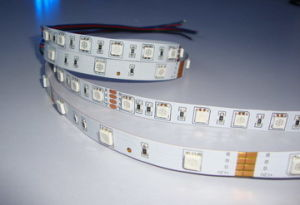Striscia di SMD5050 RGB LED (BS-LR5050RGB150-12)