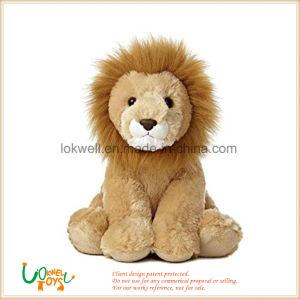 Marrón de felpa suave sentado juguetes León