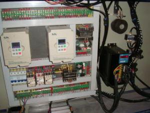 高精度のペーパーカッター機械(DFJ-1400)