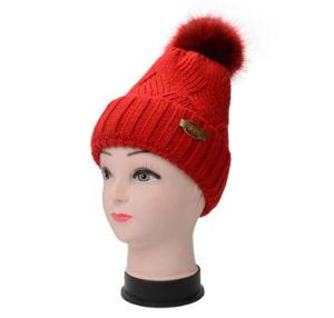 제작한 뜨개질을 한 양털 여자의 베레모 모자를 주문을 받아서 만드십시오
