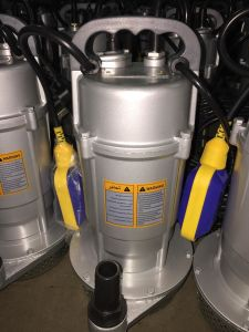Al. La caja con interruptor de flotador 1.0HP Uso doméstico (unidad de agua sumergibles QDX1.5-32-0.75)