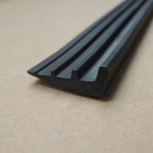 Extrusión de plástico personalizada PVC negro, bandas de sellado