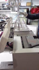 Doppelter/multi Kopf computergesteuerte Flachbettkleid-/Schutzkappen-Stickerei-Maschine mit 9 Nadeln für