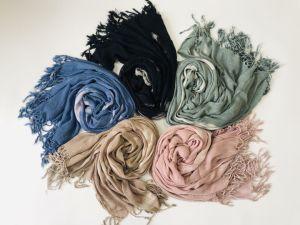 Soft Design Latested Handfeel 100 % Vicose foulard pour les femmes attache solide en train de mourir d'Écharpe d'effet d'enrubannage