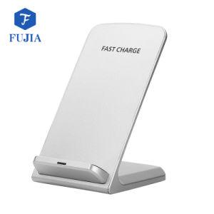 iPhoneとSamsungのノート5 S6/S6 Edge/S6の端とまたはすべてのチーのための速い無線充電器を立てている工場Q700チー
