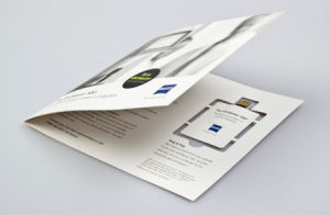El más barato A4 A5 tamaño A6, papel Webkey claves de la web con URL Link Scrip plegada en 3 partes Flyer