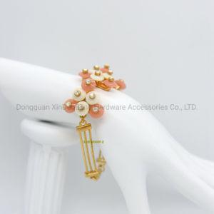 Carol en de Witte Plastiek Geparelde Juwelen van de Manier van de Armband