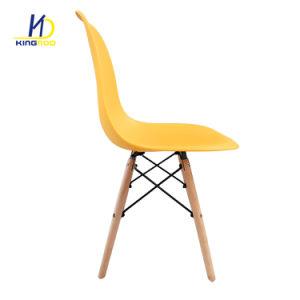 Cadeira de perna de madeira barata de PP de plástico ABS Cadeira de jantar coloridos Eames Dsw Dar Cátedra