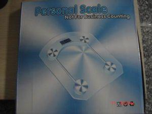 180kg Cricular Shape Glass Top Bathroom Scale