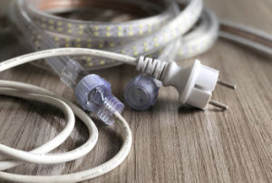 Indicatore luminoso della corda di alta tensione con il maschio & il connettore impermeabile femminile