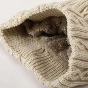 レディースケーブルの帽子の冬の暖かいがっしりした柔らかい帽子のニットののどの毛皮POM POMの帽子