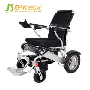 頑丈な電動車椅子を折ること容易