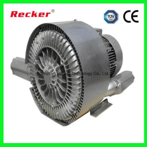 Аквариум с дыхательным клапаном воздушного насоса на входе турбины вентилятора