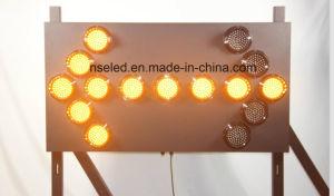 소통량 LED 도로 안전을%s 번쩍이는 화살 표시