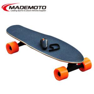 Nieuwe Verre Elektrische Skateboards met de Motor van de Hub