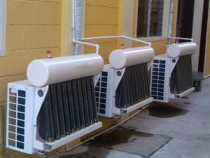 Alto condizionatore d'aria solare ibrido di Efficience per residenziale