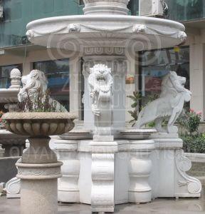 op Fontein van het Water van het Graniet van de Steen van de Verkoop de Grote Marmeren met de Beeldhouwwerken van de Leeuw en Standbeelden Poseidon voor de Decoratie van de Tuin