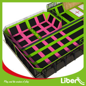 La disposizione personalizzata progetta liberamente la sosta dell'interno all'ingrosso del trampolino di ginnastica