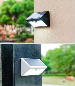屋外の庭防水LED Solorの壁ライト