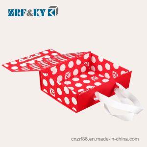 Impresa personalizada cartón Kraft Cartón Gris/cierre magnético Rojo/Negro/púrpura plana de plegado de papel de embalaje Caja de regalo con cinta de opciones