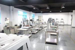デスクトップの4軸線の単一のヘッド倍Y自動流動分配機械または流動分配のロボットまたは自動接着剤分配機械または自動流動ディスペンサー