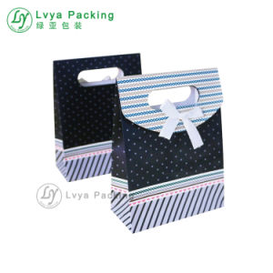 Promoción personalizada de mango plano Pajarita bolsa de papel de las materias primas con logo Imprimir