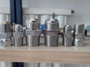 ステンレス鋼の接合箇所かステンレス鋼のアダプター