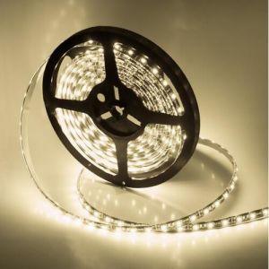 Los LED SMD2835 600 tiras de LED Flexible con color blanco cálido 2400k