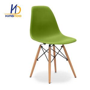 Eames Dswのプラスチック食事の椅子