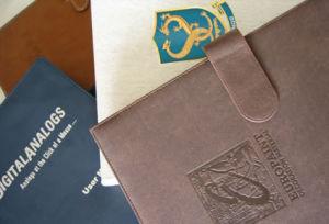 Folio/Cartera de productos/Padfolios/Circa Folio/Briefolio Zip/Soporte