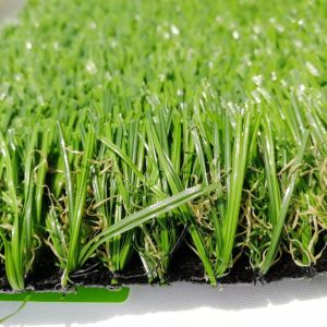 Bella erba sintetica del tappeto erboso per la casa con il certificato dello SGS